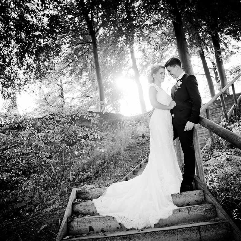 Med mange års erfaring som bryllupsfotografer