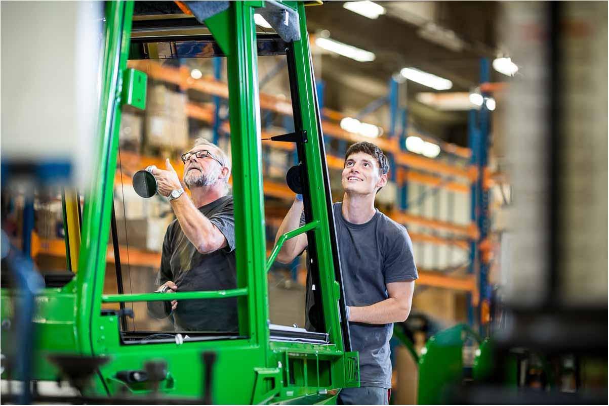Industri fotograf til fotografering indenfor firmafoto og industrifotografi.