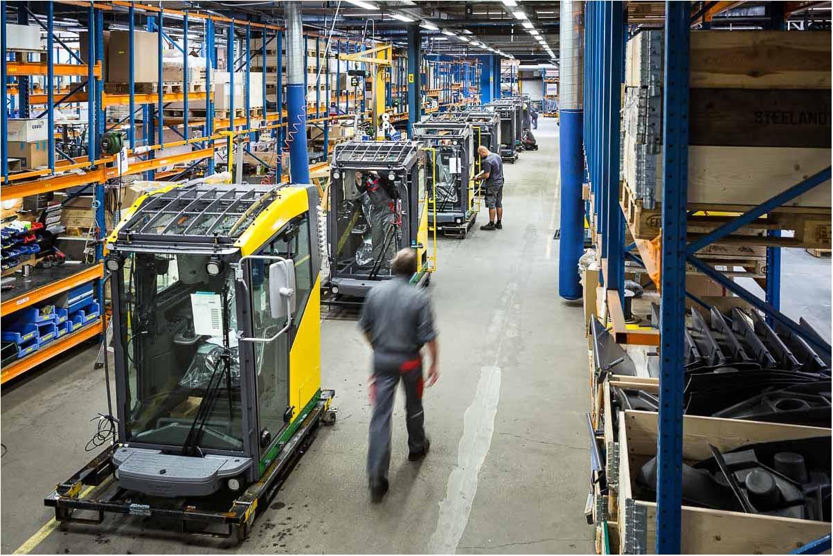 INDUSTRIFOTOS. Grafiske spændende fotos, realistiske billeder fra produktion og værkstedsfaciliteter