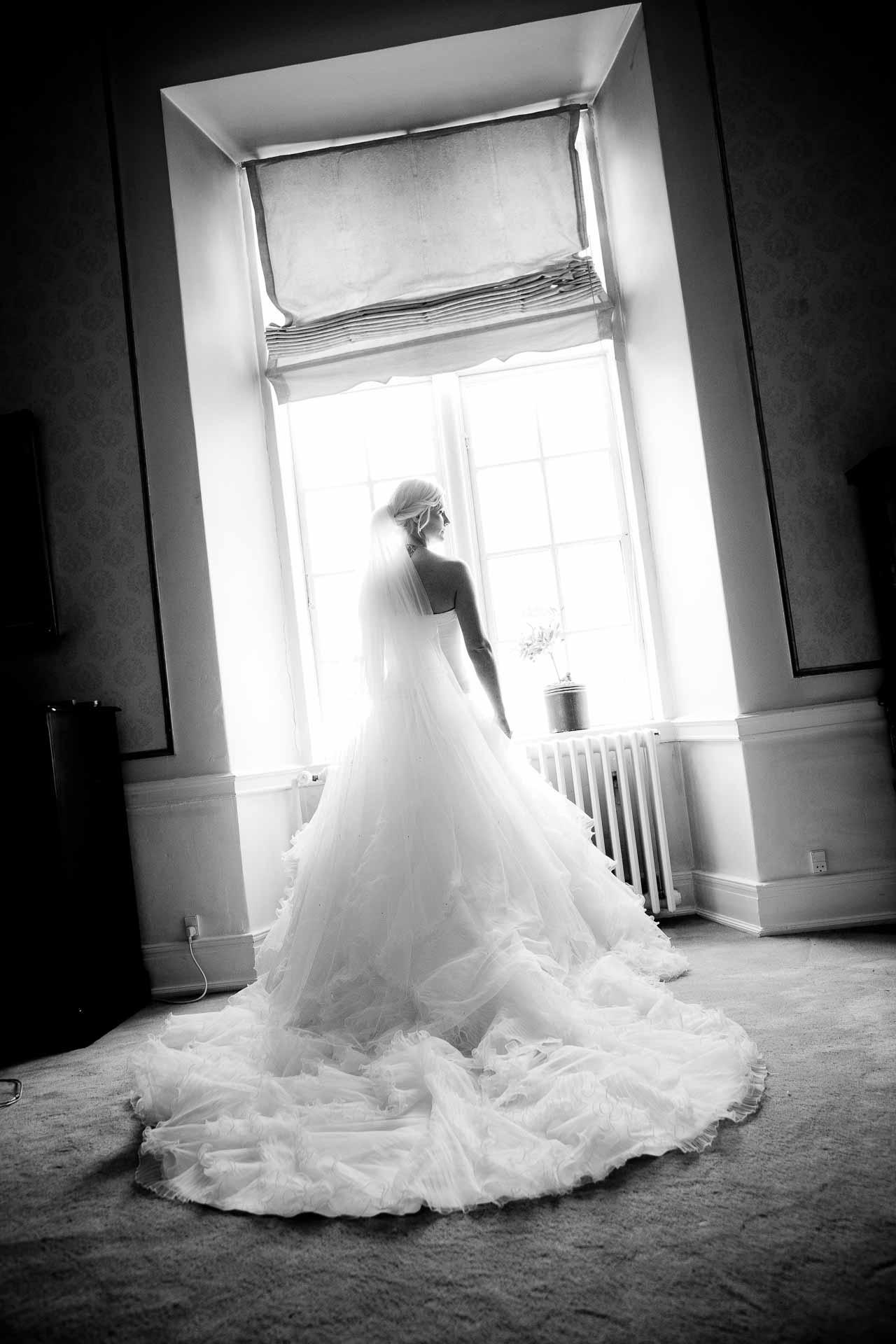 Hvad gør vi, hvis vi ønsker at hyre dig som vores bryllupsfotograf?